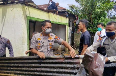 Kebakaran di Padangsidimpuan, Dua Kapolres Turun Langsung Padamkan Api