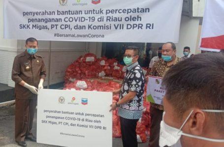 Relawan Peduli Riau Serahkan Sembako dan APD untuk BPBD Pekanbaru