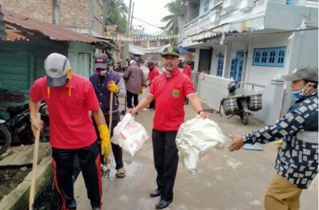 Sambut Kedatangan Bupati, Camat Kualuh Leidong Gotong Royong Bersihkan Drainase