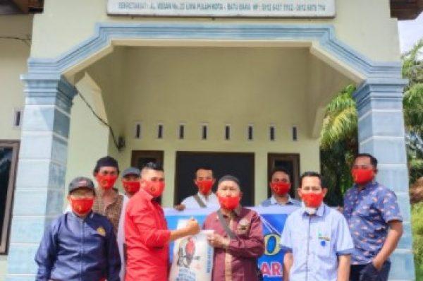 PWI Batubara Salurkan 50 Paket Sembako Untuk Para Wartawan