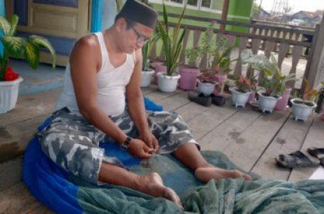 """Aminuddin Penjahit Pukat Ikan: """"Bahagia Itu Sederhana"""""""