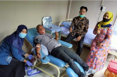 Pengurus IWO Sergai Donor Darah di RSUD Sultan Sulaiman