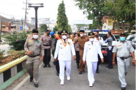 Wali Kota dan Wakil Wali Kota Tanjungbalai Jalan kaki Menuju Rumah Dinas Sambari Menyapa Masyarakat