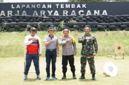 Tingkatkan Sinergitas TNI-Polri Plus, Forkopimda Latihan Menembak Bersama Kapolres Simalungun