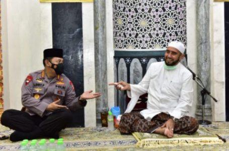 Silahturahmi ke Habib Syech, Kapolri Bicara Soal Penanganan Covid-19 dan Program Vaksinasi Nasional