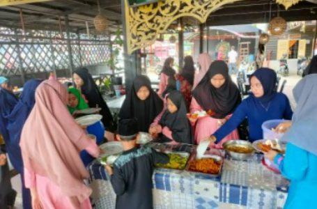 Jelang Ramadhan, Satreskrim Polres Kampar Berbagi Makan Siang Gratis