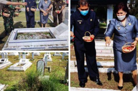 Peringati Ultah LVRI Ke- 64, Bupati dan Wabup Karo Soroti Kebersihan Makam Pahlawan