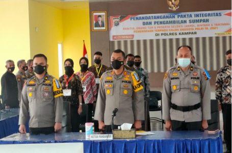 Panitia dan Peserta Seleksi Calon Anggota Polri TA. 2021 di Polres Kampar Tandatangani Pakta Integritas