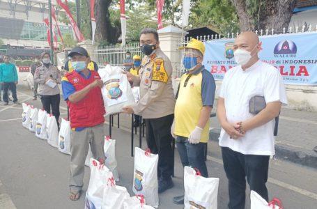 Kapolrestabes Medan Bersama Walubi Gulirkan Bantuan Sembako Kepada Warga Terdampak PPKM Darurat