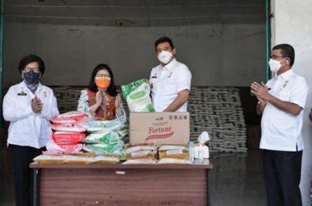 Terima CSR Sembako, Wali Kota Medan Harap Bantuan Ini Bermanfaat Bagi Masyarakat