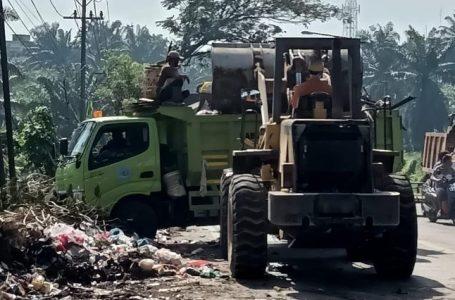 Laksanakan Instruksi Bupati Labuhanbatu, Sejumlah OPD Berkolaborasi Bersihkan Sampah Liar