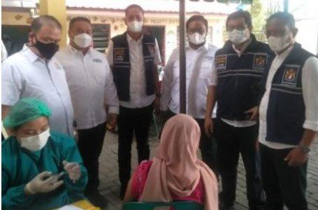 Ketua Kadin Medan dan Ketua HIPPI Medan Tinjau Mobil Vaksinasi Keliling